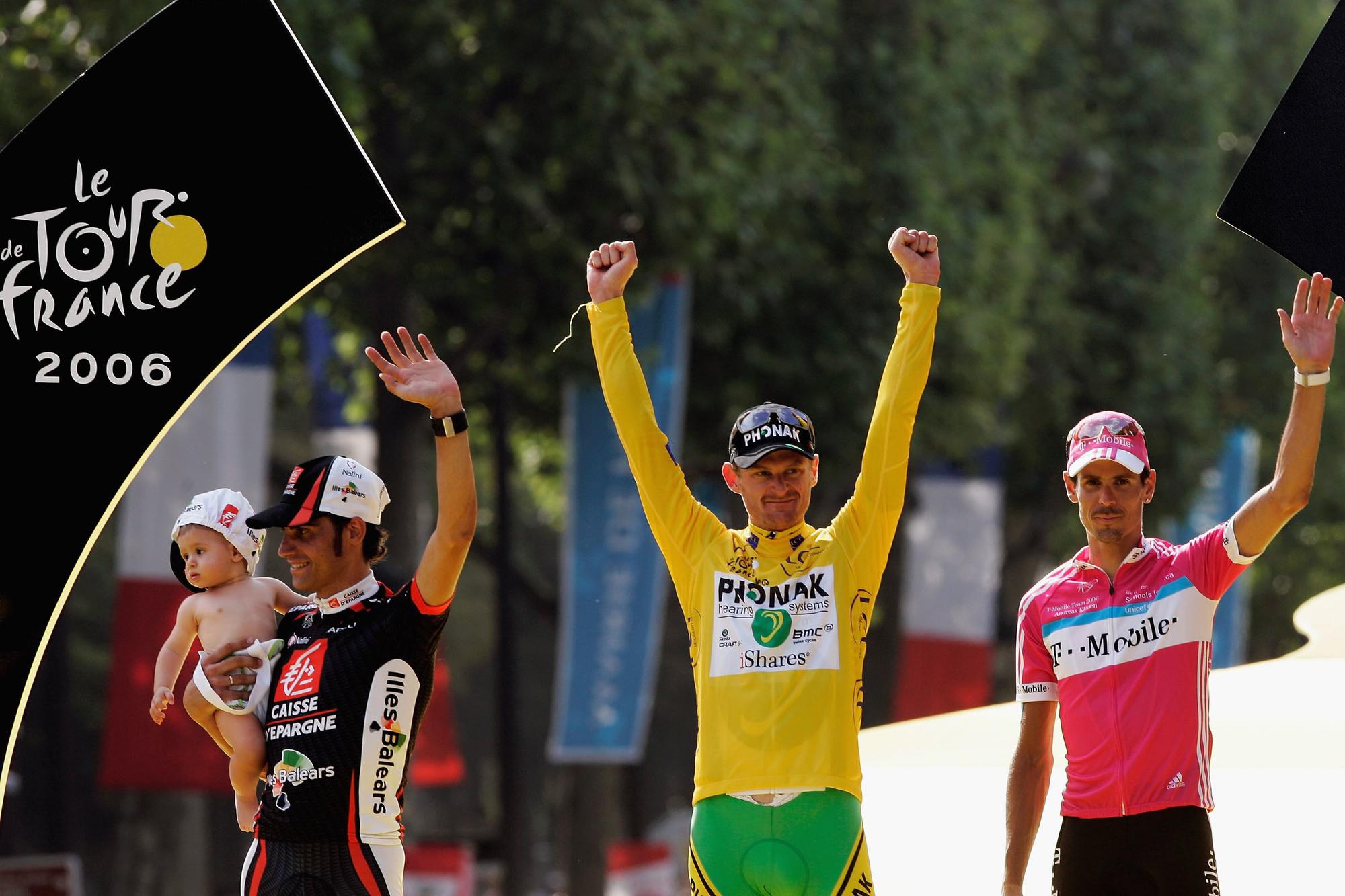 Oscar Pereiro eindigt uiteindelijk tweede, Floyd Landis mag de gele trui mee naar huis nemen., GETTY