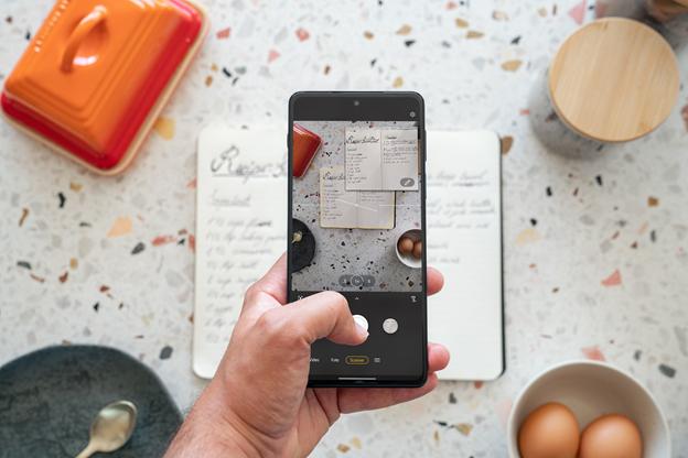 Le Motorola Edge 20 Pro, Pinterest