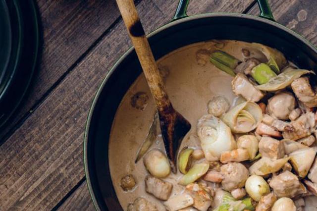 Wat eten we op 1 januari? Deze kalfsblanquette, als het van Jeroen Meus afhangt. , Dagelijkse Kost scheurkalender