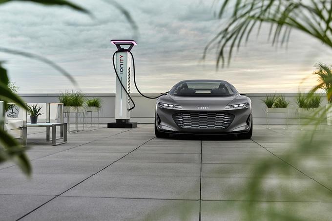 Snelladen kan aan 270 kW., GF