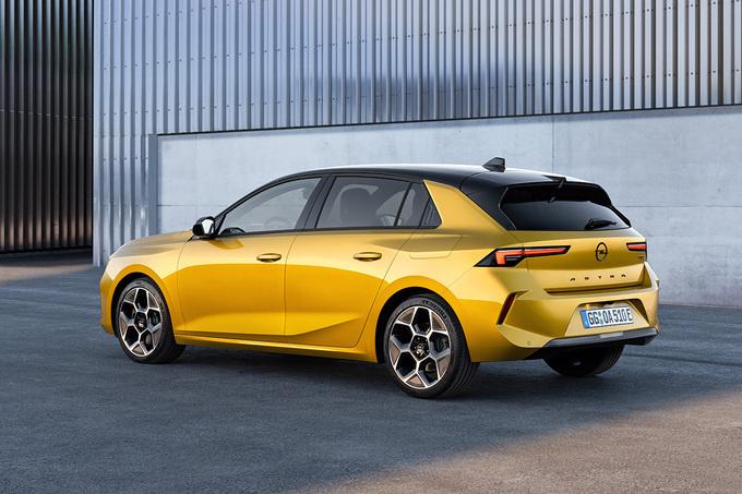Ook de Opel Astra gaat aan de stekker., GF