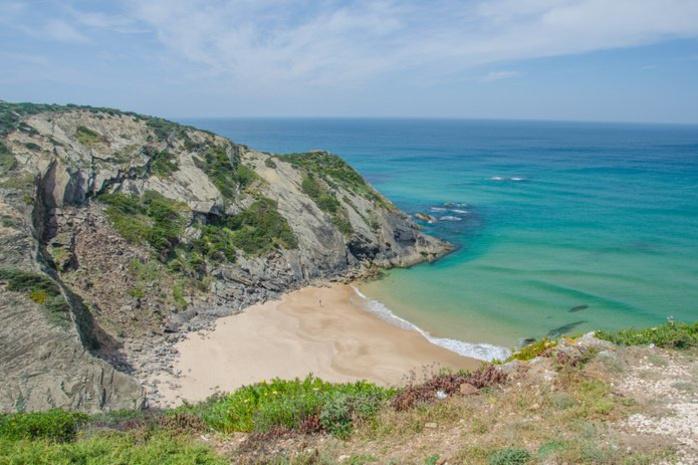 5. Praia des Adegas en Algarve, Portugal, Getty