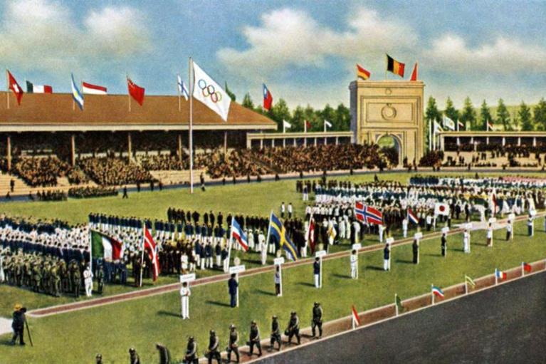 De olympische vlag werd voor de eerste keer gehezen in Antwerpen, Belga Image