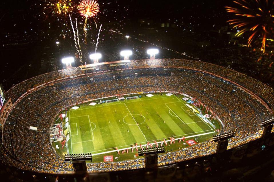 Het stadion van Tigres wordt ook wel 'El Volcán' genoemd vanwege de fanatieke supporters, GETTY