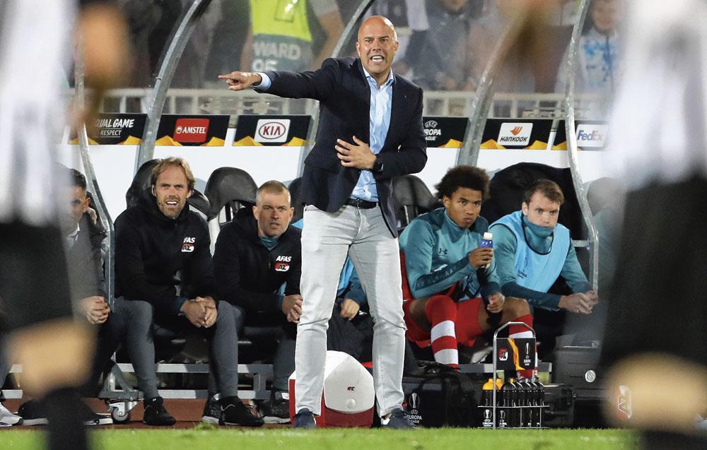 L'entraîneur Arne Slot s'inscrit dans la philosophie du club et est prêt à travailler avec des jeunes issus du centre de formation., BELGAIMAGE