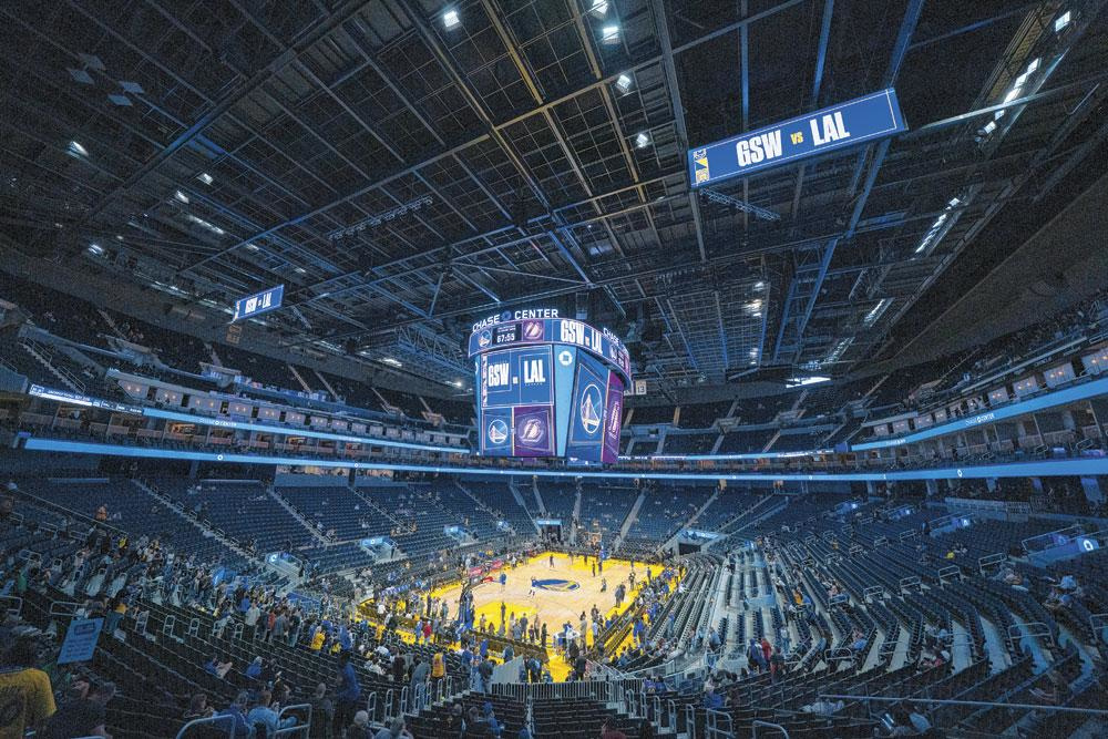 18.064 zitjes telt Chase Center, ruim 1500 minder dan oude Oracle Arena (19.596). Een bewuste keuze, met oog op een betere akoestiek., reuters