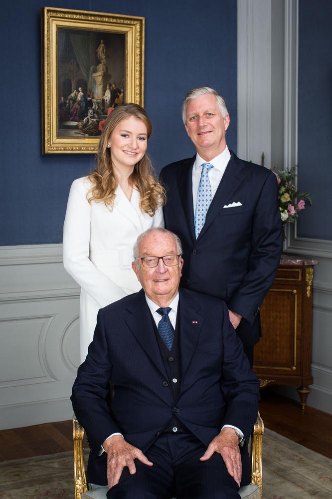 La princesse Élisabeth, son grand-père le roi Albert et son père le roi Philippe , Belga
