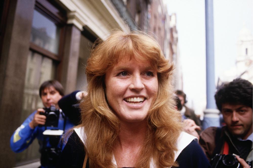 Sarah Ferguson traquée par les photographes dans la rue, en 1986, Getty Images