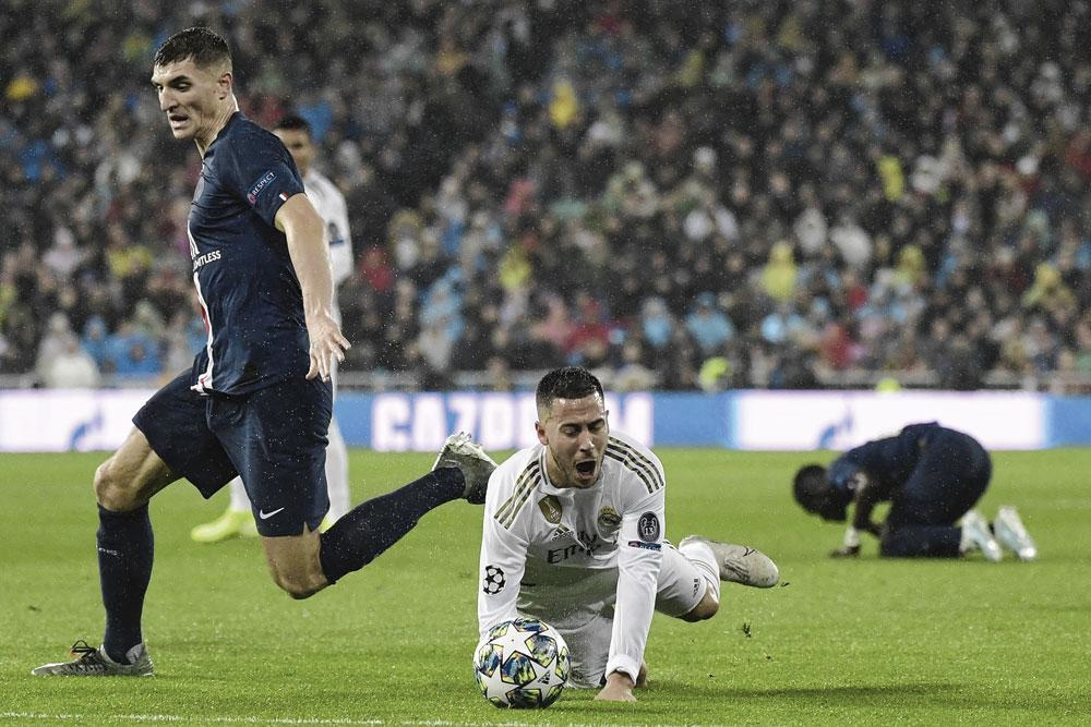 Thomas Meunier tikt Eden Hazard aan tijdens Real-PSG. Gevolg: de nummer 7 is weken out., BRICMONT