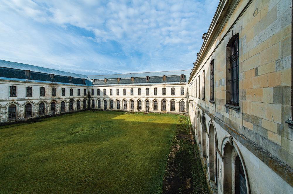 Clairvaux, qui fut au Moyen Age l'abbaye cistercienne la plus féconde du monde., Sylvain Bordier