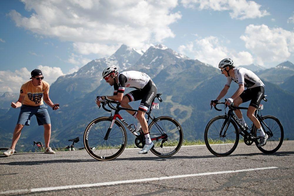 Les Alpes et le cols tant redoutés..., Reuters