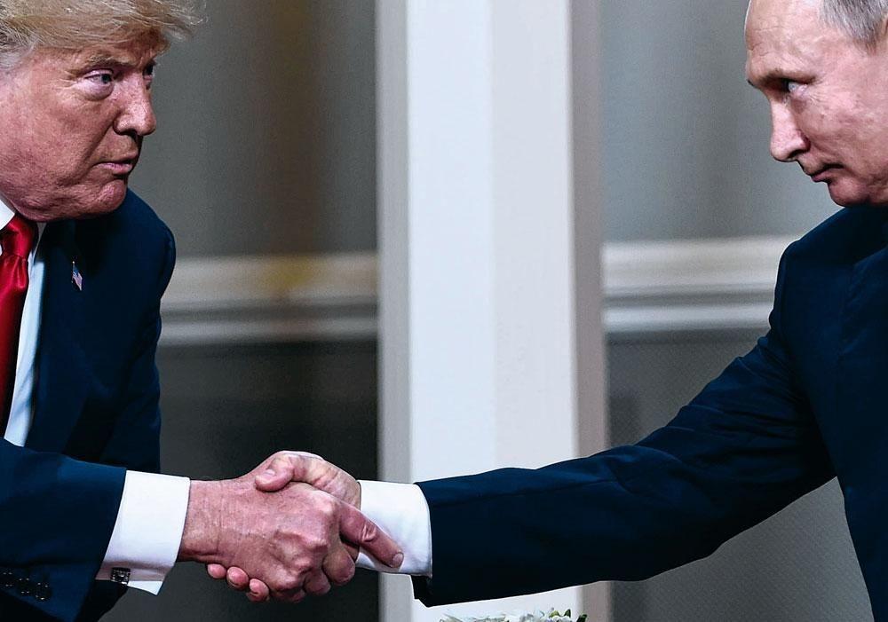 Donald Trump et Vladimir Poutine, Brendan Smialowski/Belgaimage