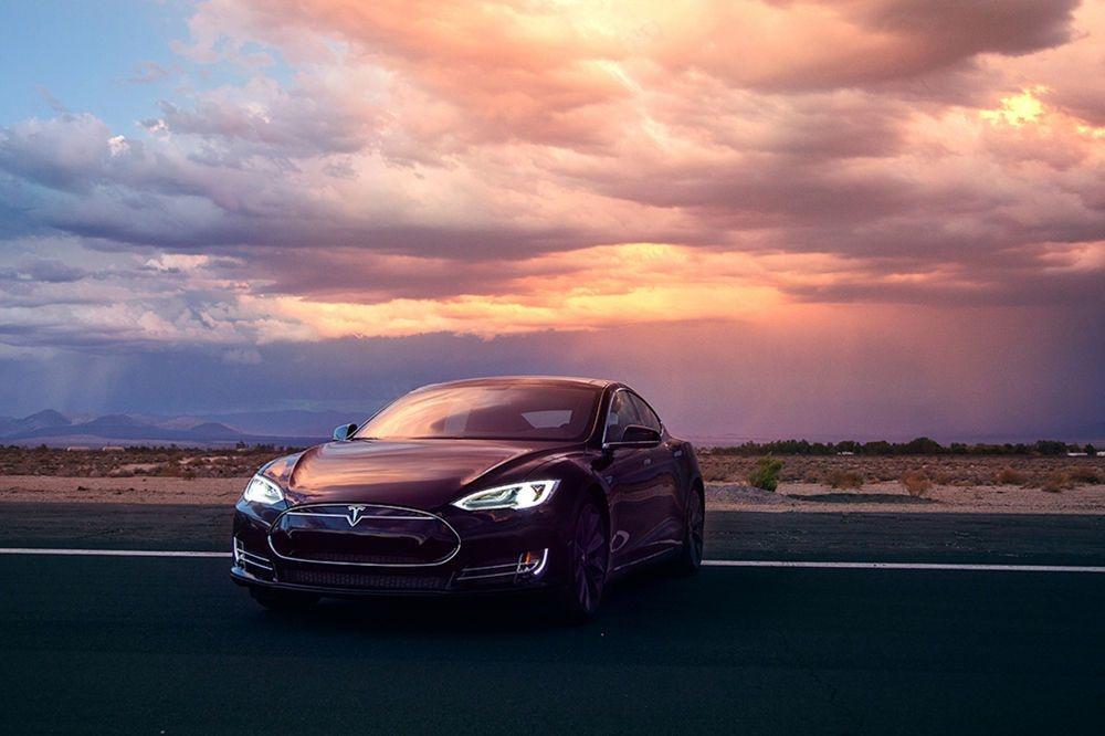 Model S, Tesla