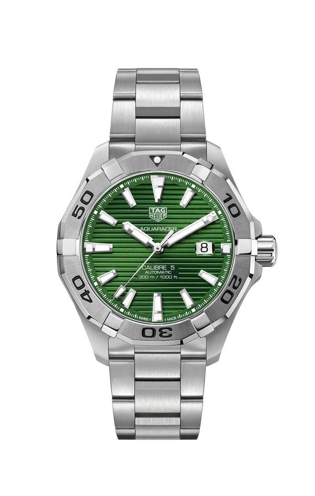 Montre automatique Aquaracer Gents Green Dial, en acier inoxydable, avec bracelet en acier inoxydable, Tag Heuer, 2 050 euros., SDP