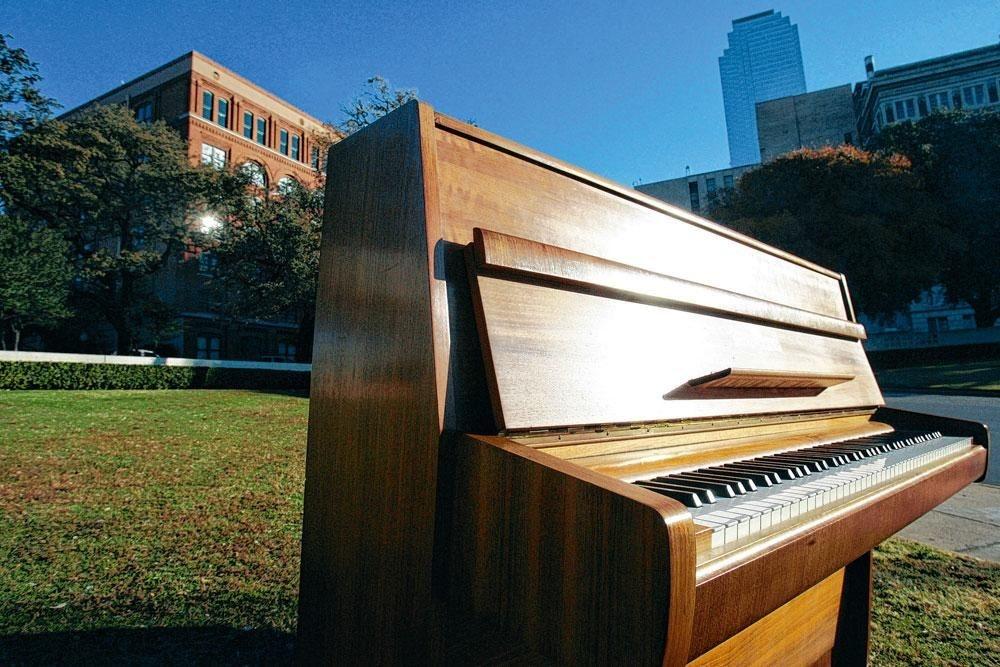 """Le piano sur lequel John Lennon a composé """" Imagine """" a rapporté 2,1 millions de dollars., REUTERS"""