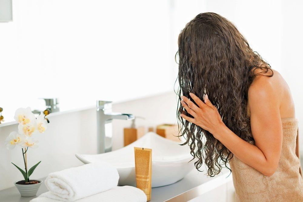 Complétez toujours votre shampoing avec l'après-shampoing approprié. , Getty Images/iStockphoto