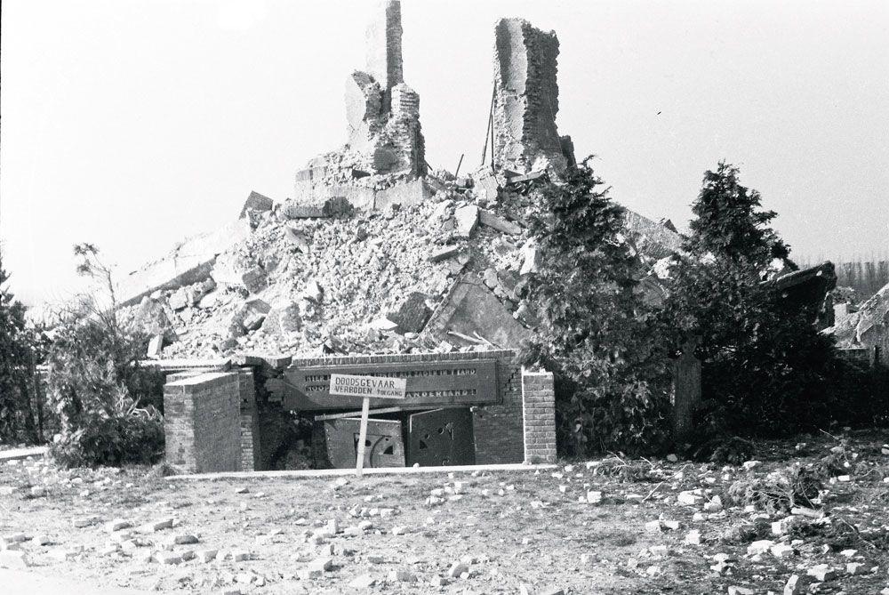 La première tour de l'Yser, dynamitée en mars 1946., MUSEUM AAN DE IJZER