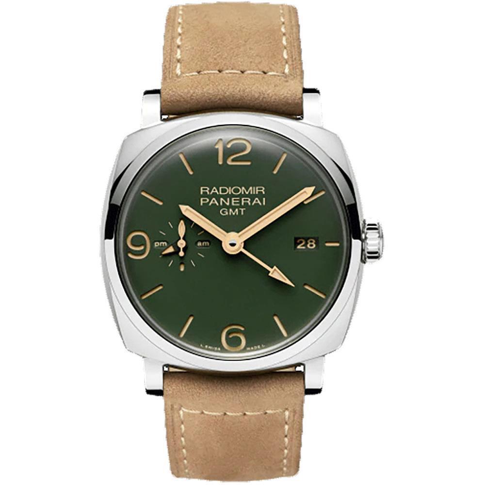 Montre automatique Radiomir GMT - 45 mm, en acier poli, avec bracelet en cuir de veau suédé, Panerai, 11 700 euros., SDP
