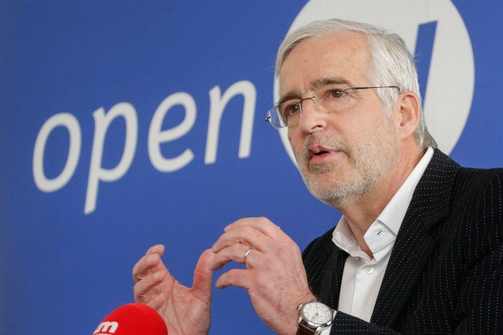 Christian Leysen op zijn voorstelling op het Open VLD-hoofdkwartier op 14 februari, Thierry Roge/Belga