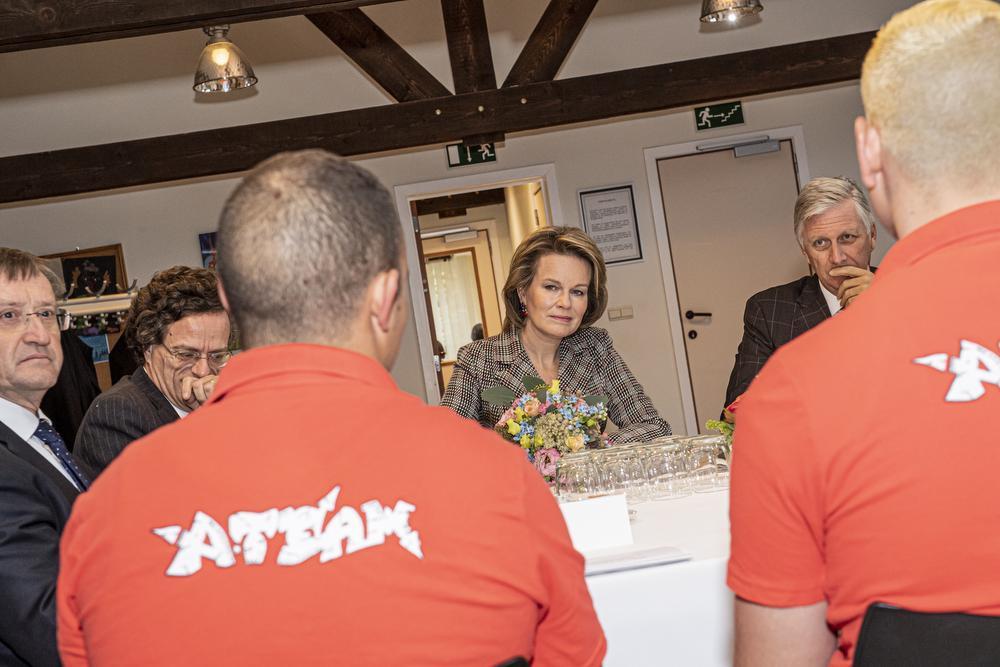 In het Penitentiair Landbouwcentrum in Ruislede sprak het koningspaar met enkele gedetineerden., Joke Couvreur