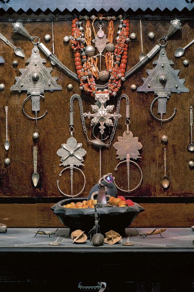 Les bijoux berbères, l'une des nombreuses passions de Serge Lutens., PATRICE NAGEL / FONDATION SERGE LUTENS