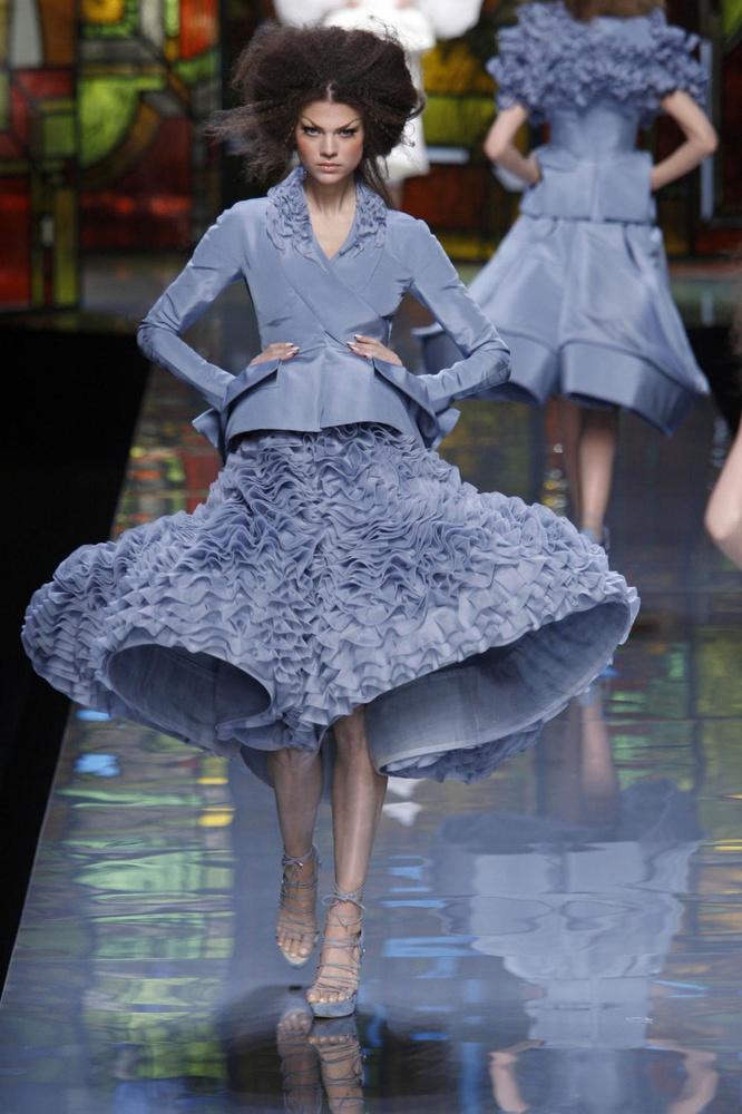 Een haute couture-ontwerp van John Galliano voor Dior uit 2009., GF / Team Peter Stigter / Gemeentemuseum