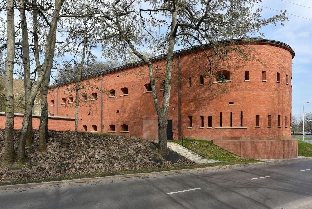 Katyn Museum, Adrian Grycuk, Wikicommons