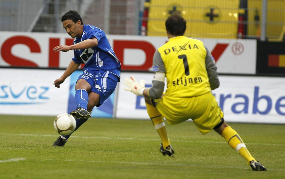 8 mei 2010, toen nog in het Ottenstadion. Randall Azofeifa lukte de openingstreffer, waarbij hij Stijn Stijnen vloert., BELGA