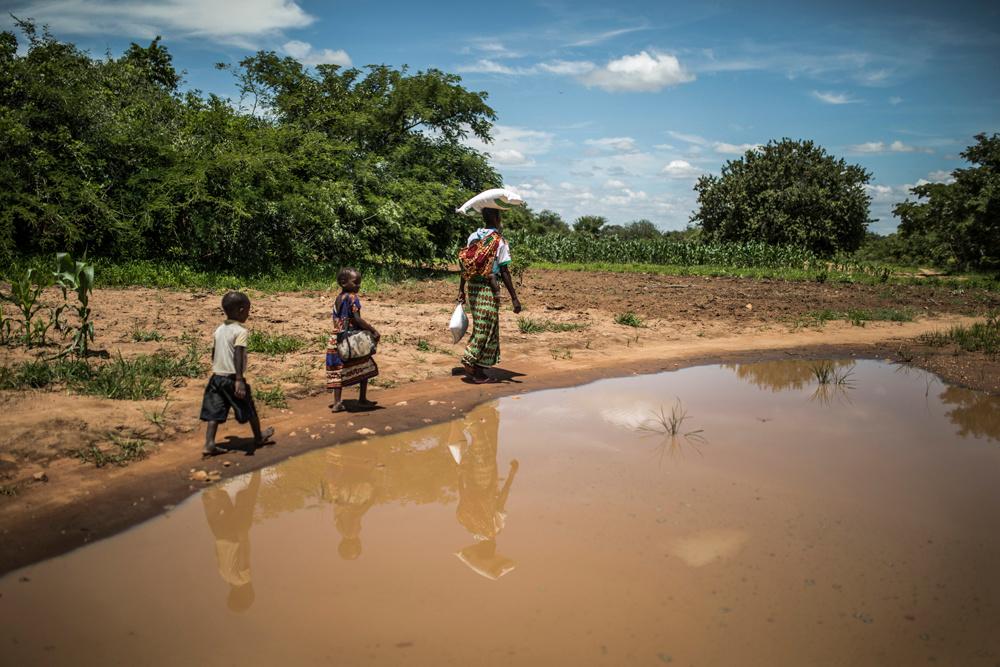 Loveness Haneumba et ses enfants, AFP