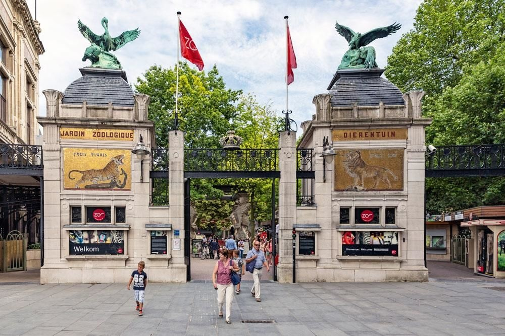 L'entrée monomentale du zoo d'Anvers, ISTOCK