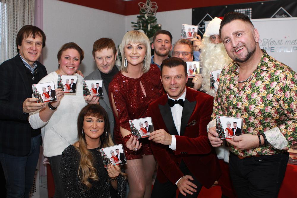 Er kwamen heel wat collega's-artiesten af naar de voorstelling van het eerste kerst-album van Eveline en Filip., FODI/Daniël