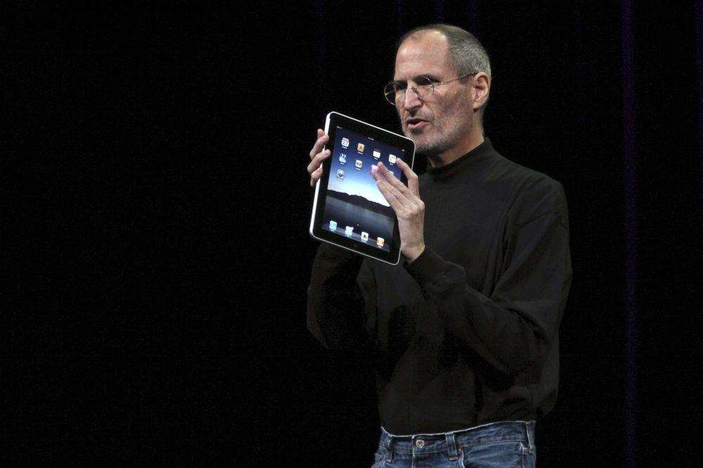 Wijlen Steve Jobs stelt in 2010 de eerste iPad voor., Reuters