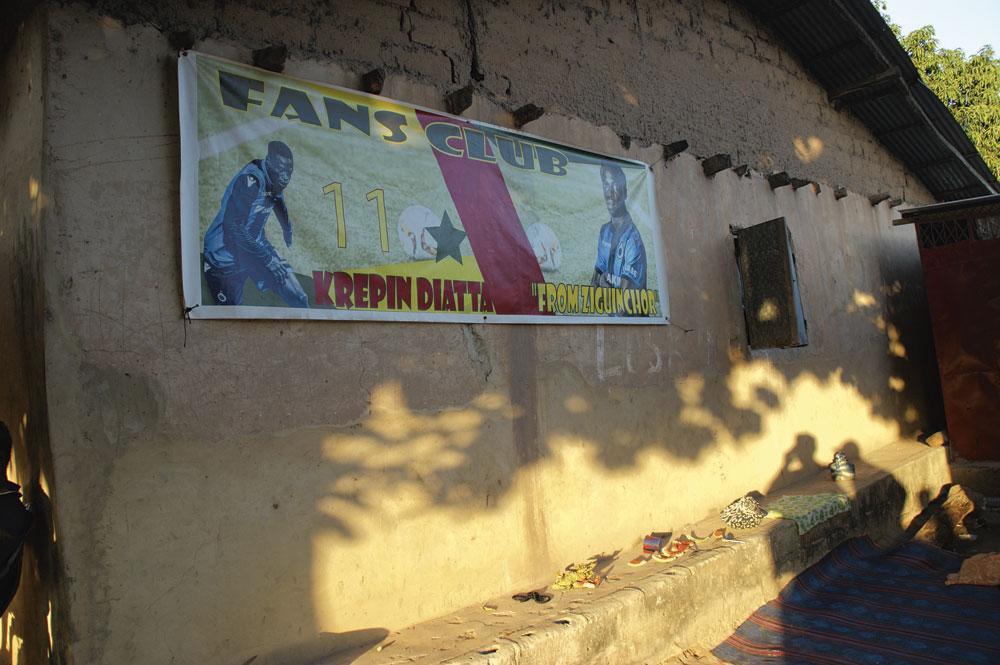Le Fan Club de Krépin Diatta à Ziguinchor., christian vandenabeele