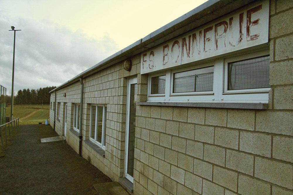 Le vestiaire du club de Bonnerue, à Houffalize, où le voleur a été pris pour la première fois sur le vif., Emilien Hofman