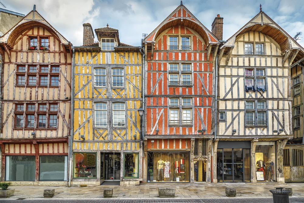 Les fameuses maisons à colombages de Troyes., getty images