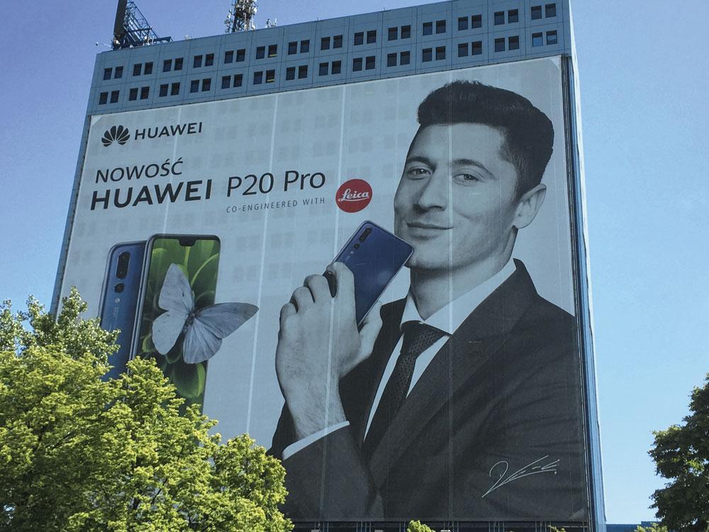 Robert Lewandowski prête son nom à bon nombre de campagnes publicitaires., belgaimage