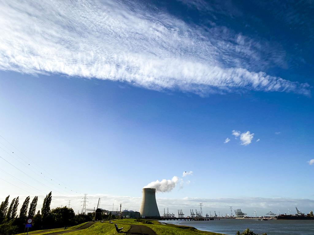Het uitzicht op de kerncentrale van Doel, Mare Hotterbeekx