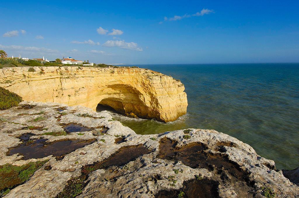 Praia do Carvalho, Algarve, Carrapateira, Getty