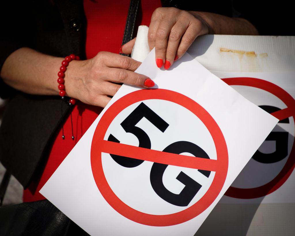 Een recente protestactie tegen de uitrol van 5G-technologie., Getty Images