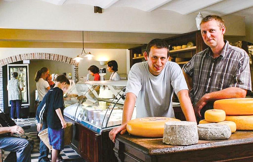 Peter (links) en Bert (rechts) Boonen, die drijvende kracht van kaasmakerij Catharinadal, Foto R.V.