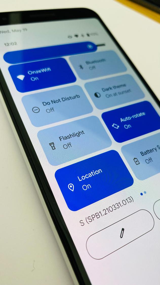 Les icônes pour les paramètres rapides sont beaucoup plus grandes et arrondies., Jens Veraa