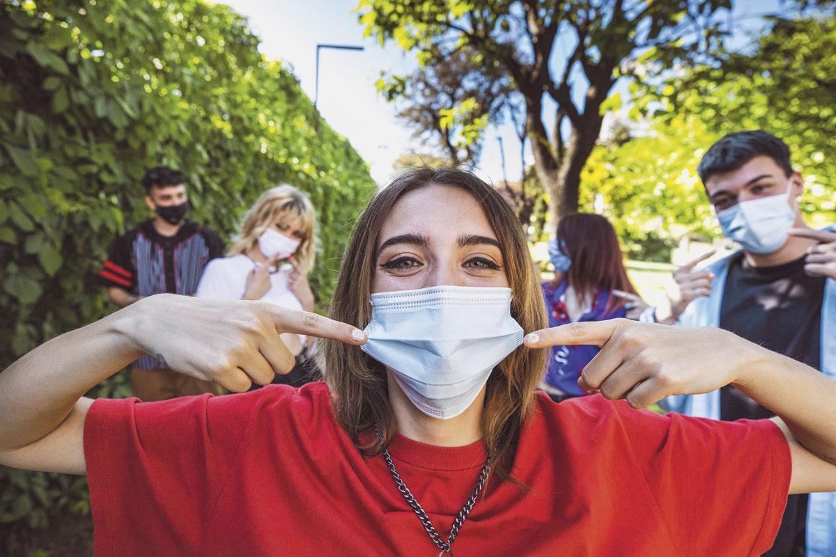 """""""Best zou zijn om de 18-30-jarigen in juni/begin juli te vaccineren met het Janssen-vaccin. Zo geven we een belangrijk signaal. Van deze groep wordt zeer veel gevraagd terwijl men maatschappelijk soms onvoldoende naar hen luistert."""", Getty Images"""