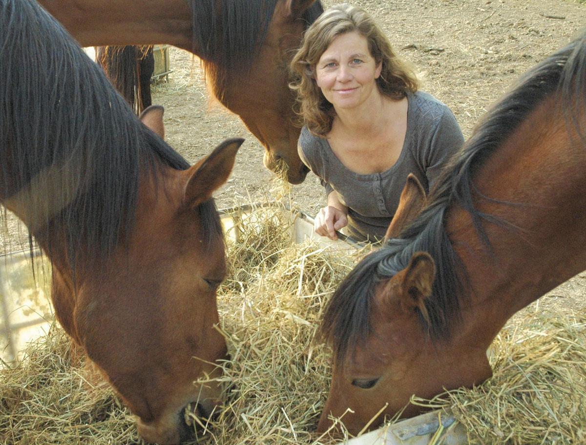 """Dr. Annemieken Van Reepingen: """"Paarden zijn er niet op uit om je een plezier te doen. Dat maakt dat ze heel eerlijk en direct zijn in hun feedback."""""""