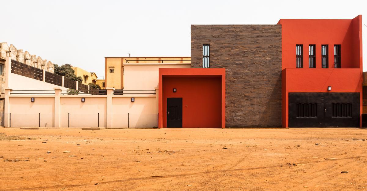 A travers les résidences qu'elle réalise, Mariam Sy démontre que les matériaux locaux peuvent être mis en oeuvre de façon contemporaine., Architerre