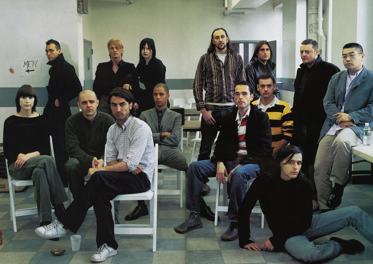 De nieuwe lichting anno 2000 volgens Vogue. Filip Arickx en An Vandevorst staan samen op de achterste rij, in het gezelschap van onder meer Véronique Branquinho (uiterst links) en Olivier Theyskens (rechtsonder)., GF / Steven Meisel