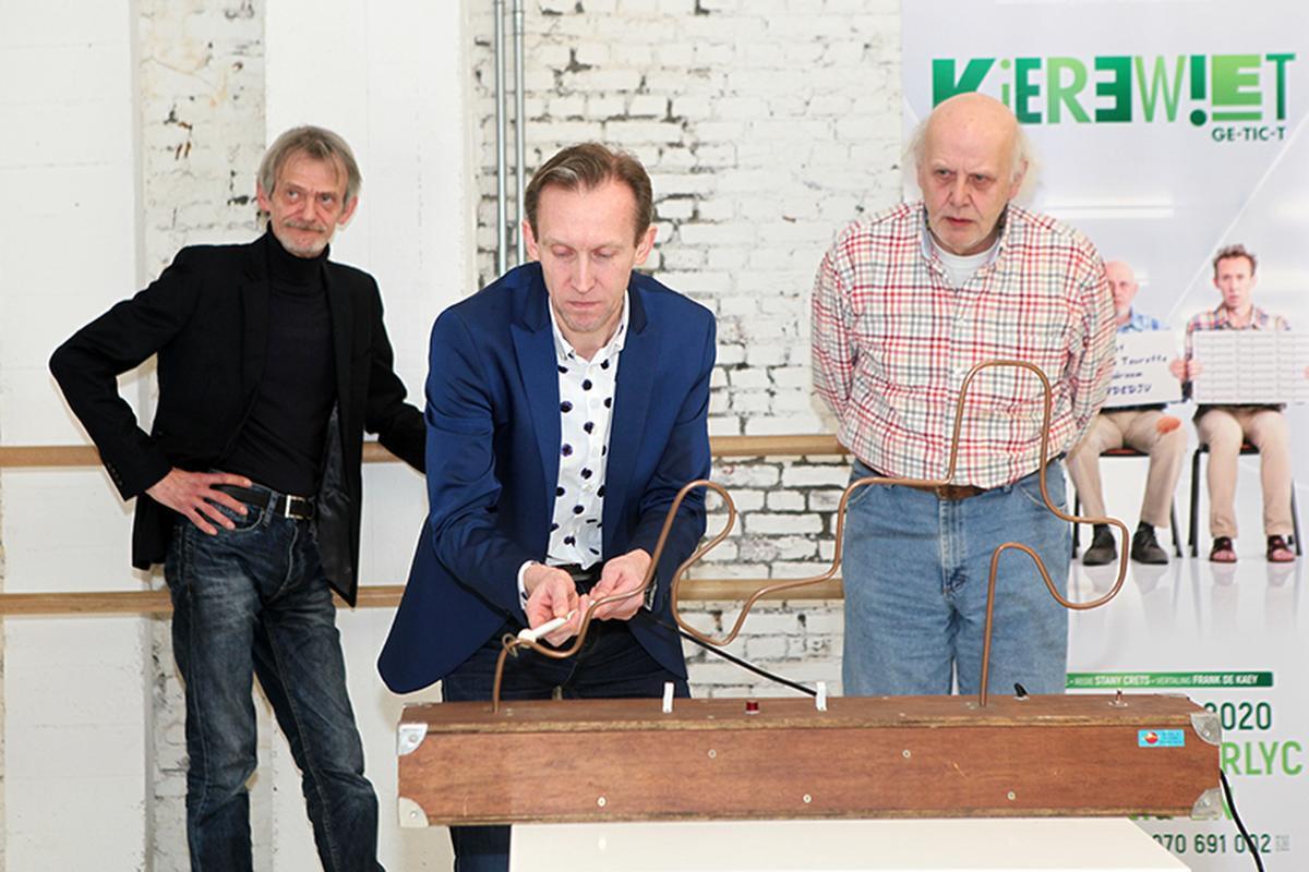 Dirk Van Vooren aan het 'bibberspel' tussen Dirk Lavrysen (links) en Carry Goossens., PADI/Daniël