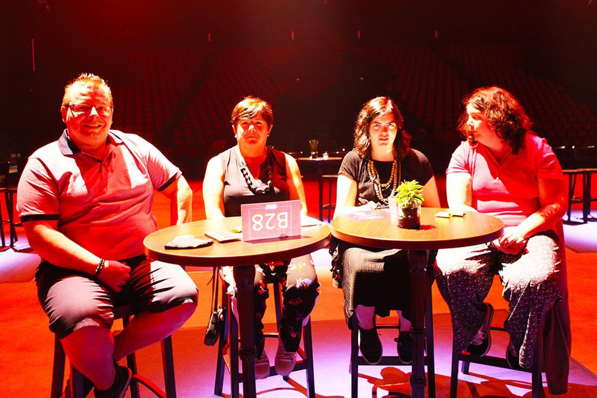Een bubbel van vier uit Dendermonde en Ninove., PADI/Daniël