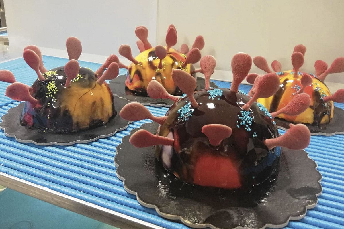 En Italie, des pâtissiers ont imaginé des gâteaux inspirés de l'image agrandie du coronavirus pour détendre l'atmosphère., pg