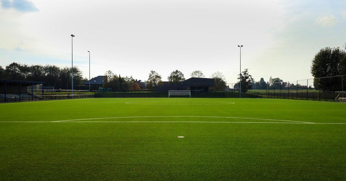Het nieuwe kunstgrasveld van Aalbeke, Aalbeke Sport
