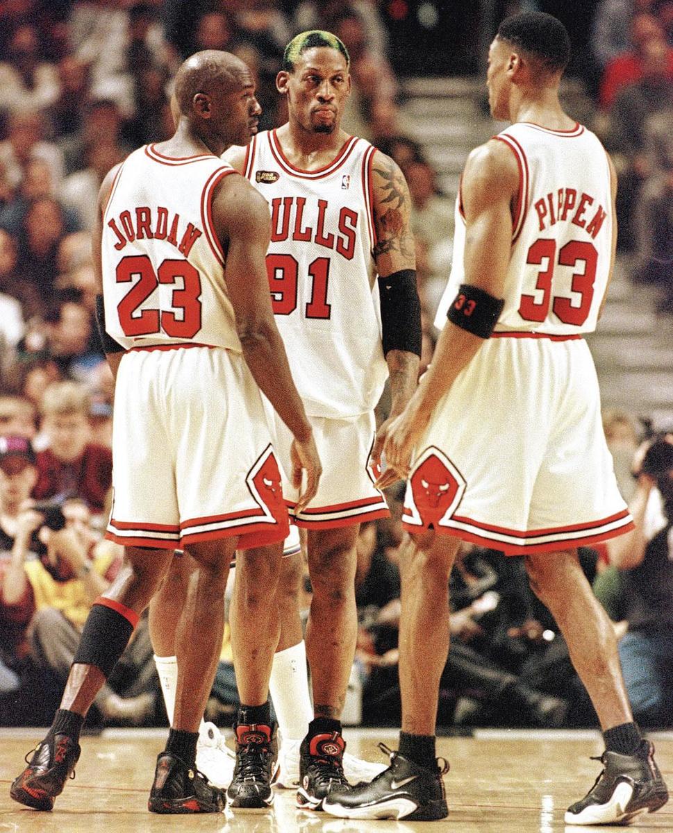 Michael Jordan, enfant terrible Dennis Rodman, en MJ's rechterhand Scottie Pippen vormden het kloppende hart van de Bulls., belgaimage
